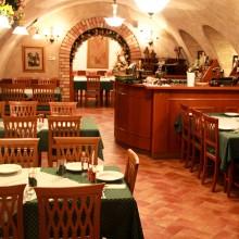 Boltíves Terem - Fék Étterem Balatonakali
